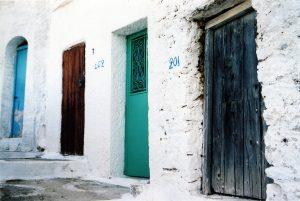 4-different-doors-1507124